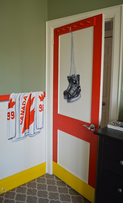 Murals By Marg -- boys hockey room 8
