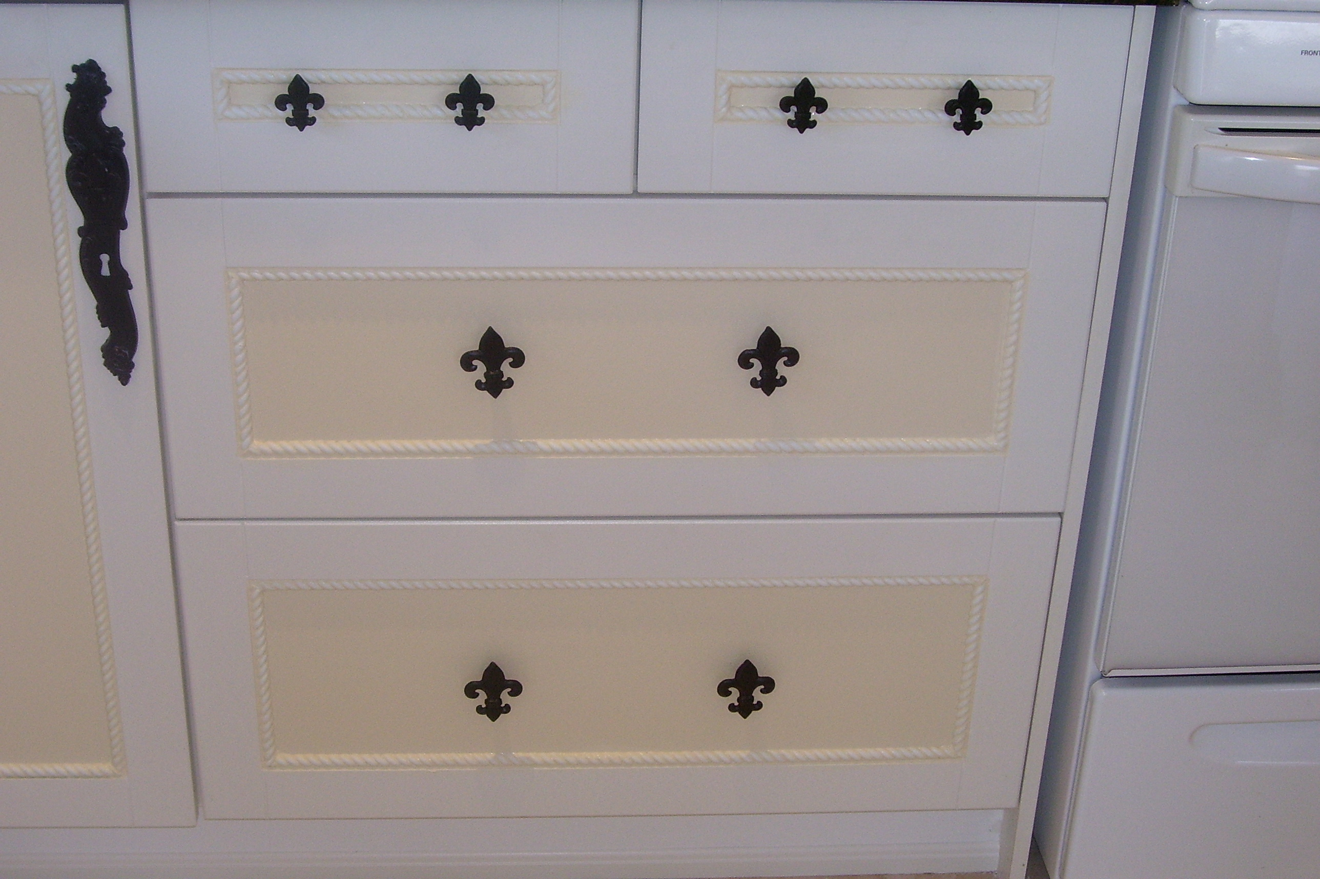 Murals By Marg Kitchen Cabinets Painted 3.JPG