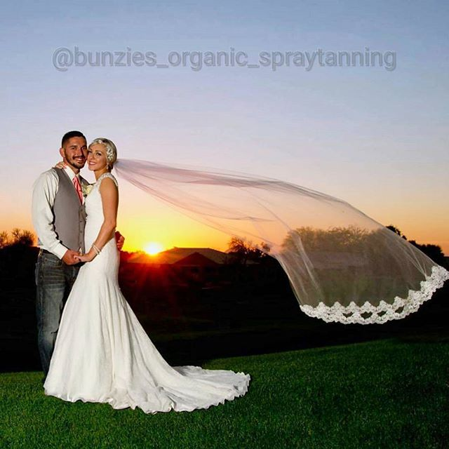 I love Arizona wedding season! ✨Bunzie✨Brides always have a perfect glow! _#organicspraytan #airbrus