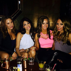 Out with my beautiful girls!!! 💋 love you biotches!  #nofilter