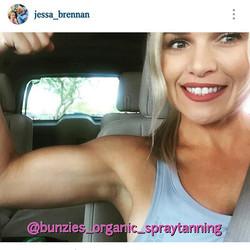 Lovin my buff bunzies 💪 #heygirlhey #organicspraytan #airbrushtan #spraytan #bronzed #sunkissed #or