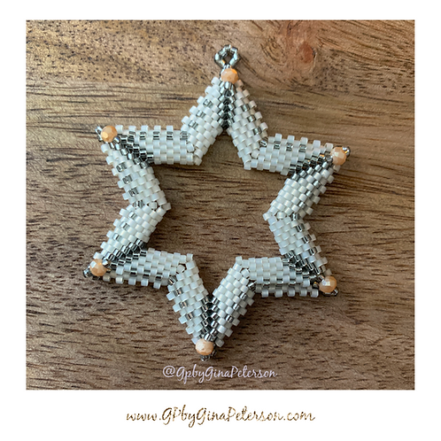 Magen Silver Cream Christmas Star