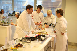 Judging the Dishes - Keen Young Cook