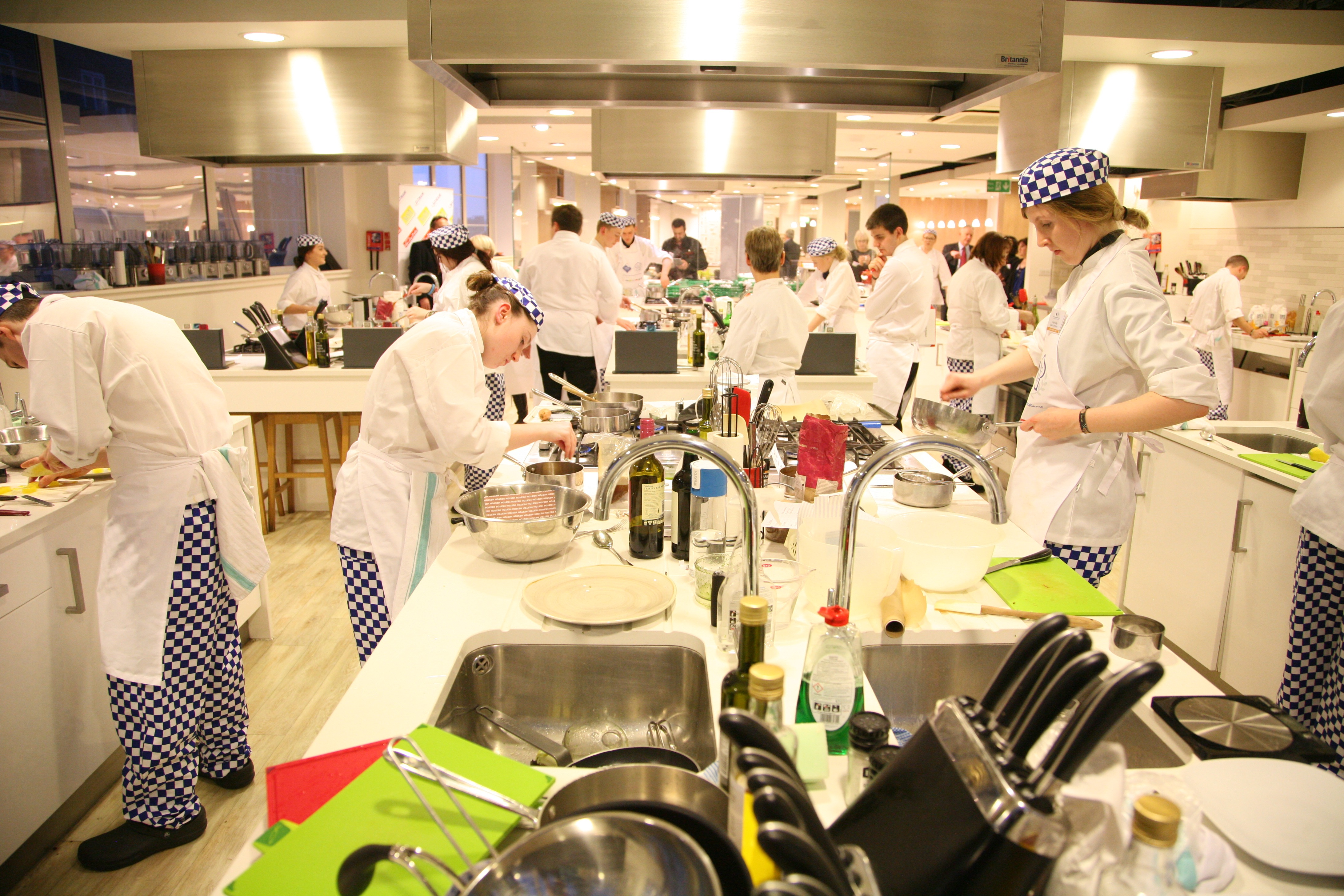 Finalists Prepare a Signature Dish