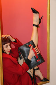 Power Clutch in Black with red strap