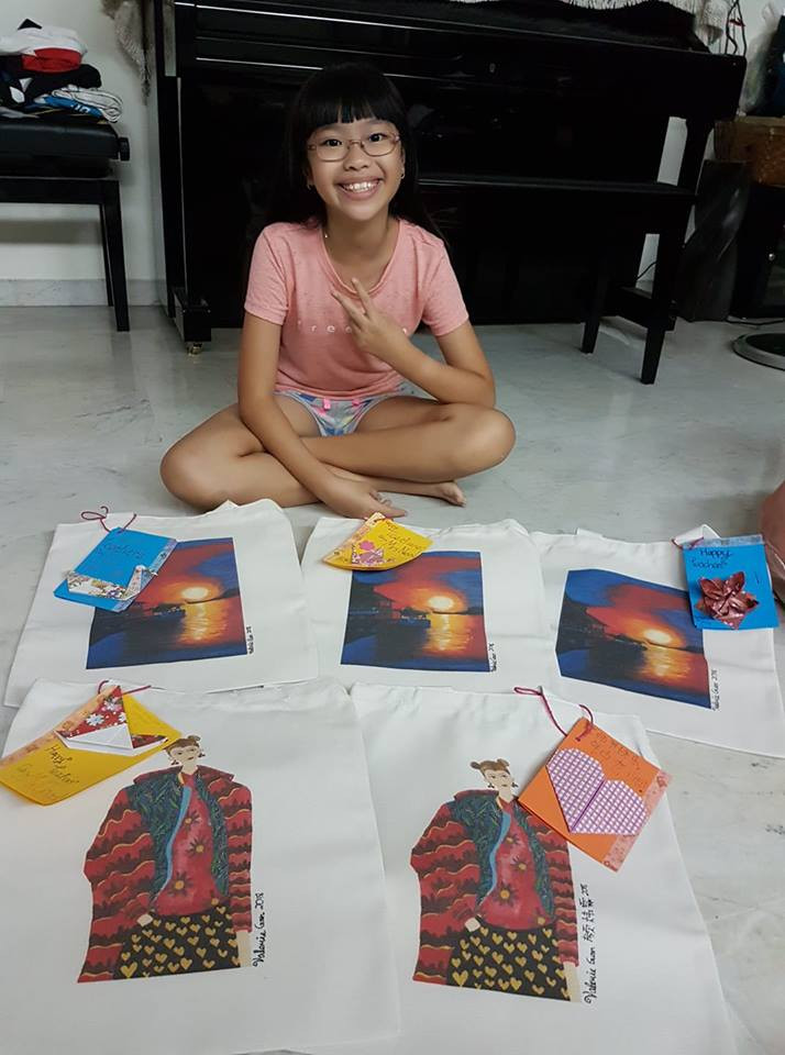 From Kid's Artworks to Printed Products. Totebags by Valerie