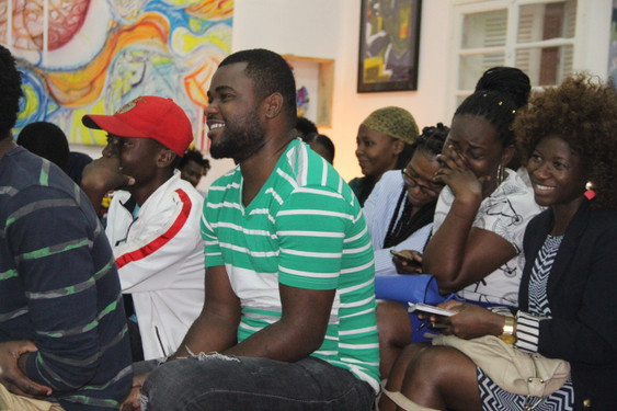 Público empolgado com momentos culturais nas Noites de poesia