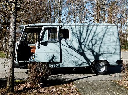 Louer un vehicule amenage à Annecy avec Sur la route location