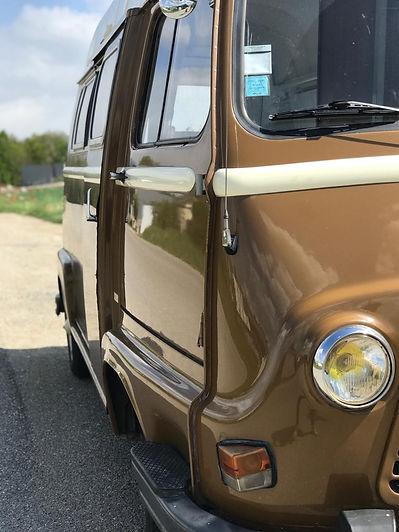 Louer votre van amenage à Annecy avec Sur la route location