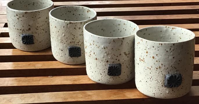 tasses grès pyrité