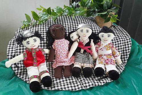Dolls from around the world - 4 pc set