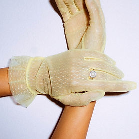 Wolfcircus yellow lace gloves