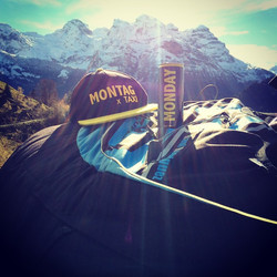 HAPPY MONDAY! _)_#monday #Montag #mondayenergy #mountains #switzerland #weekend #sun #fall #autumn #