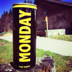 Ein bisschen Schweizer Bergluft schadet nie! Hopp! Raus aus dem Büro! _#monday #mondayenergy #montag