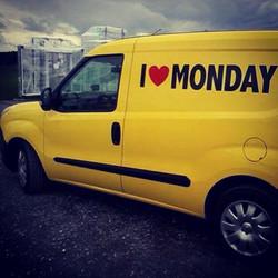 Unser Lieferwagen ist wieder unterwegs! Wer findet ihn_ Schick uns ein Foto mit dem Hashtag #mondaye