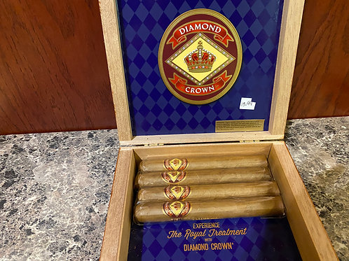 Diamond Crown Cigars-Royal Treatment
