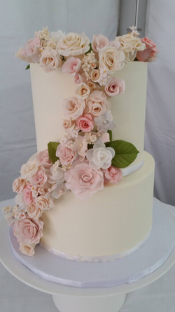 A cake with sugar roses