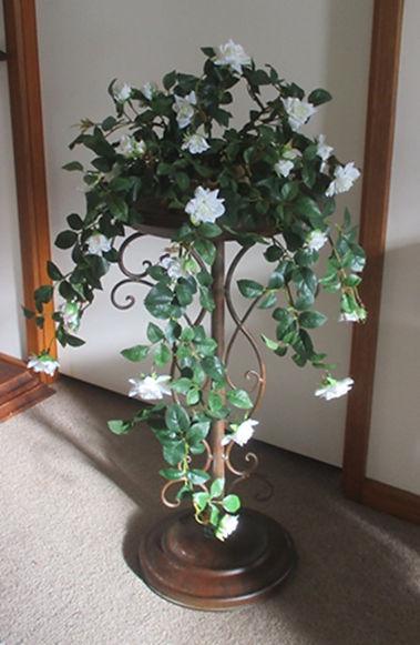 flower vine wedding pedestal 2.JPG
