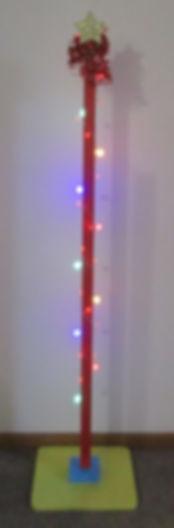 post with lights 4.JPG