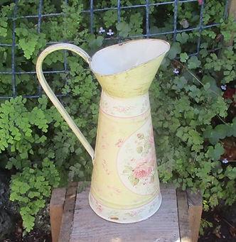 flower urn 1.JPG