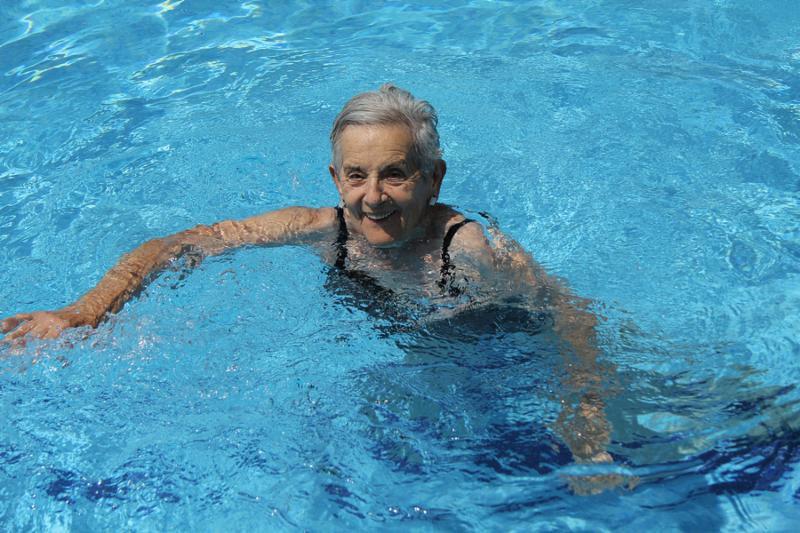 swimmer-in-pool blog.jpg