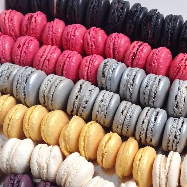 Macarons day! 👅 #macarons #yummy #paris