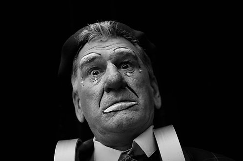 Tirage N&B : le vieux clown (collection mi gente) Tirage 90 X 60 cm, 135 x 90 plein format, Patrick Raymond