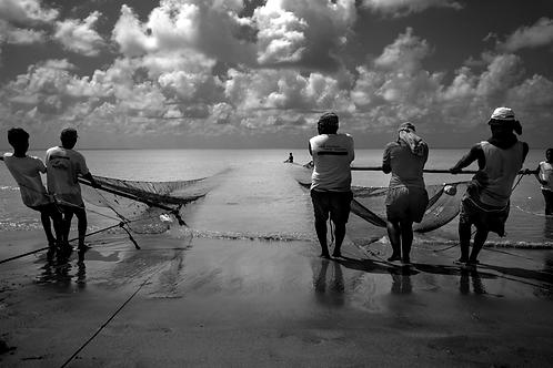 pêche en famille(collection Sacré, Salé, Sucré) Tirage 90 X 60 cm, 135 x 90 plein format, Patrick Raymon