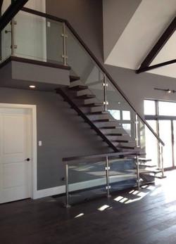 Open riser, Mono stringer stair