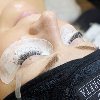 Training with Flawless lashes by Loreta