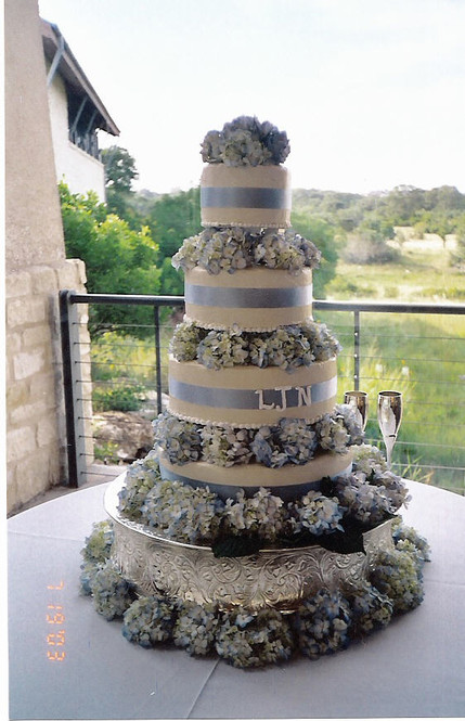 wedding cake with blue ribbon.jpg
