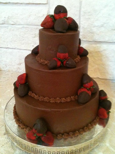 Grooms Cake w Strawberries.jpg