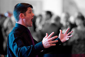 Andrew Russel conducting