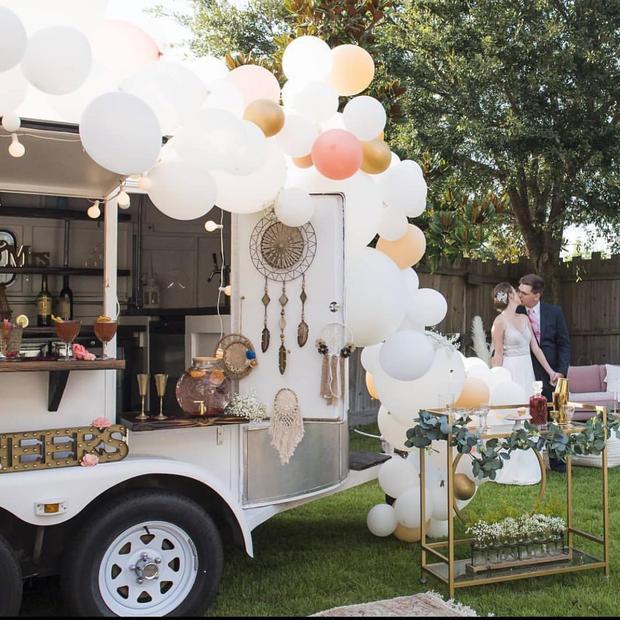 Balloon Install Wedding