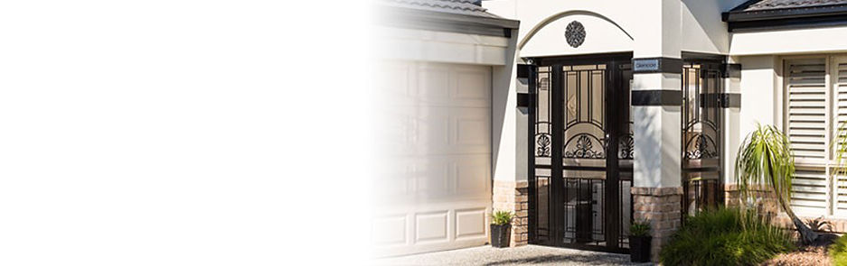 Patio-Enclosures-Transformed-Entrance-Vestibule-Alfresco-Living-Prowler-Proof-Authorised-Dealer-Freedom-Retractable-Screens-Chalmers-Security-Installations-Brisbane-Security-Screen-Installer