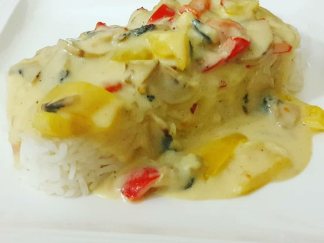 Bell Pepper & Mushroom in White/Bechamel Sauce with an Indian Touch
