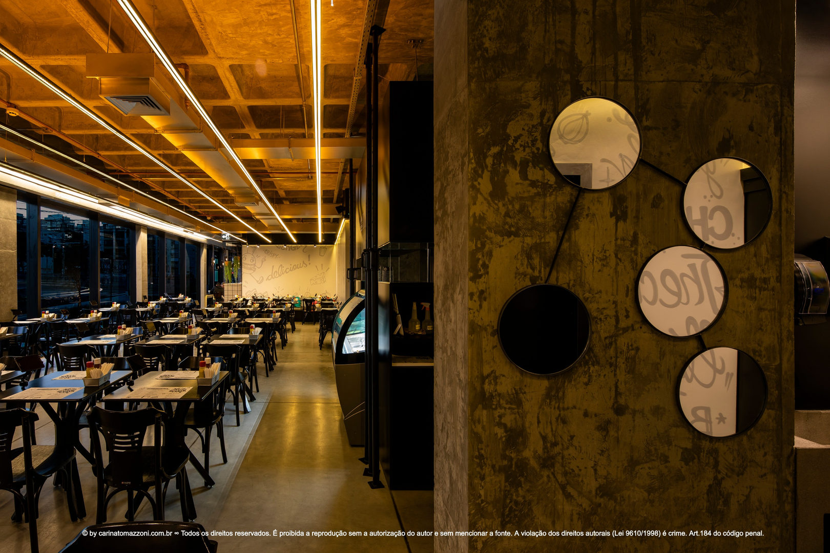 carinatomazzoni restaurant amber light