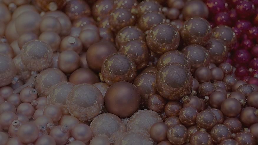 christmas-balls-2995437_1920_edited.jpg