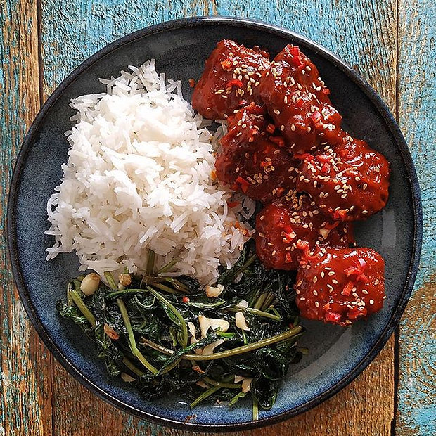 sticky sweet and spicy Kung Pau tofu__קו