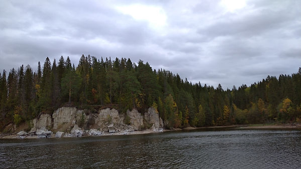 Хохловка. река, скалы 2.jpg