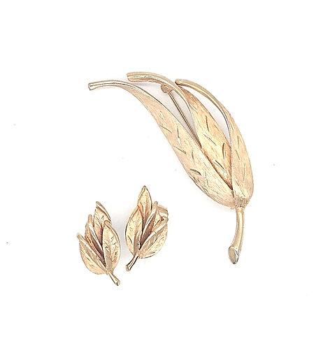 Lisner leaf brooch