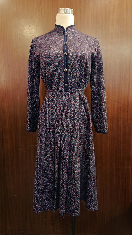 Retro dress in navy