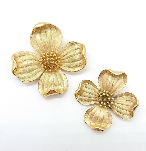 Trifari classic flower brooch