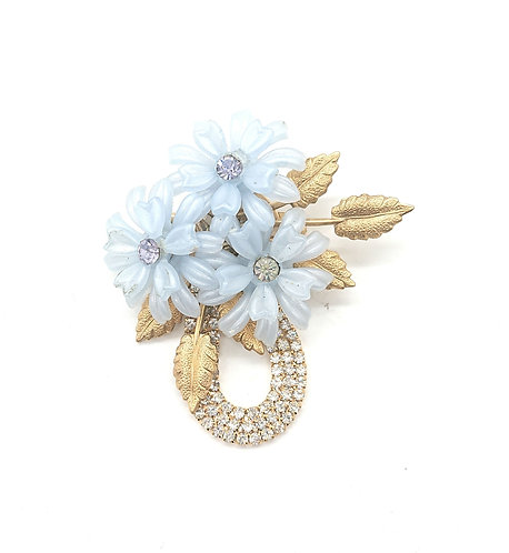 Brooch with vintage ornament