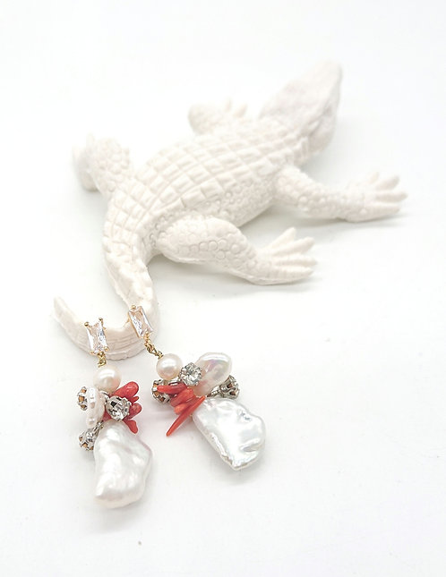 Freshwater pearl pierce earrings