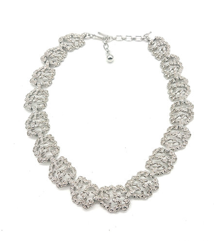 Beautiful Trifari collar