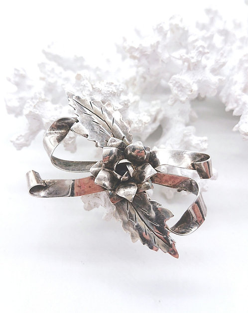 Sterling ribbon brooch
