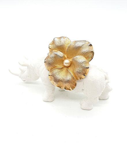 Coro floral brooch