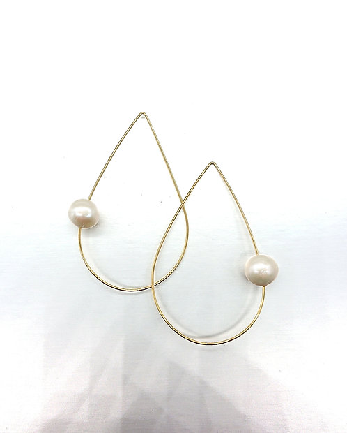 Hook with pearl
