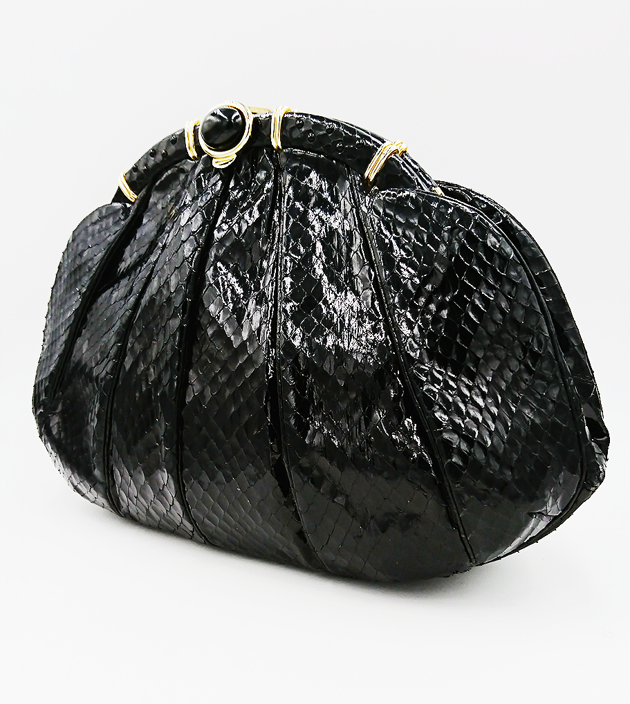Black Leiber bag